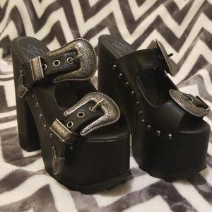 YRU Dreamr Silver Buckle Platform Shoes - US 8